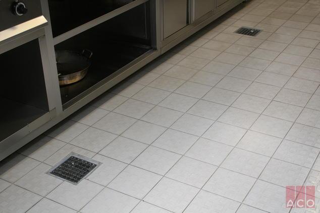 ACO EG200 típusú rozsdamentes padlóösszefolyó