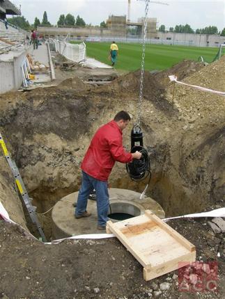 Vasbeton aknába telepített iker szennyvízátemelő állomás